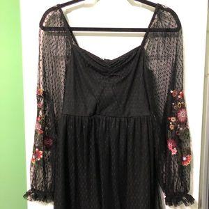 Francesca's Mesh Stretchy Dress w floral embroider